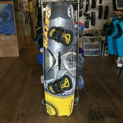 DEMO 2017 Naish Drive High Performance Freeride Twintip - 138x41.5 - Complete