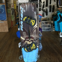 DEMO 2017 Naish Monarch Freestyle Twintip 135x41.5 - Complete