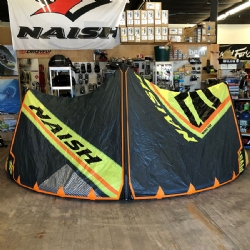 DEMO 2018 Naish Pivot 11m Kite Complete with Torque ATB Bar
