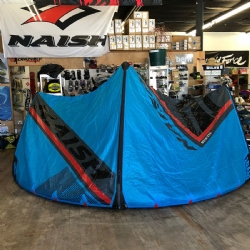 DEMO 2018 Naish Pivot Freeride / Wave Kite 12m Complete