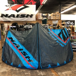 2018 Naish Torch with ESP Freestyle / Wakestyle 12M Kite